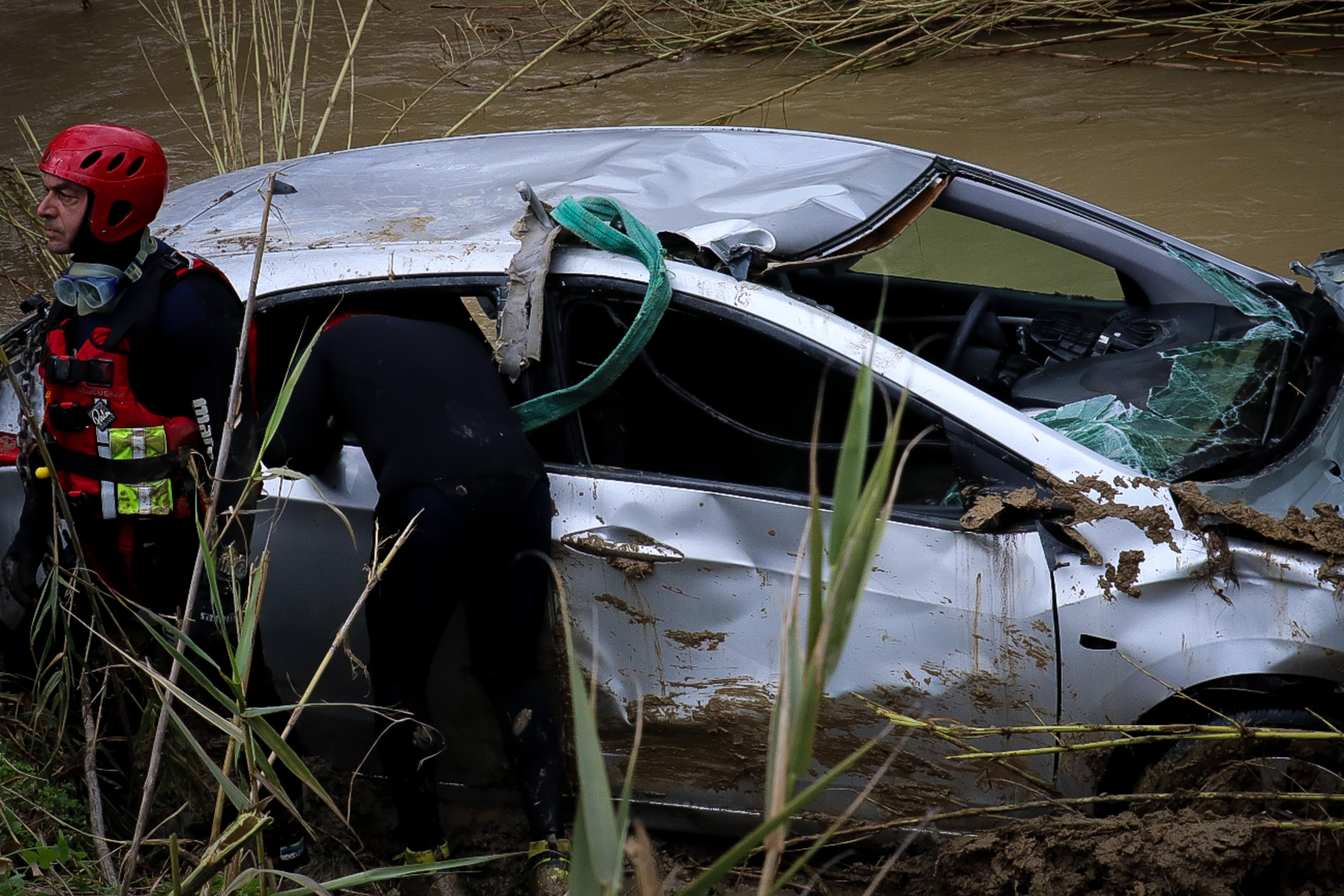 Μεσσαρά: Τραγικό τέλος! Μέσα στο αυτοκίνητο και τα 4 μέλη της οικογένειας