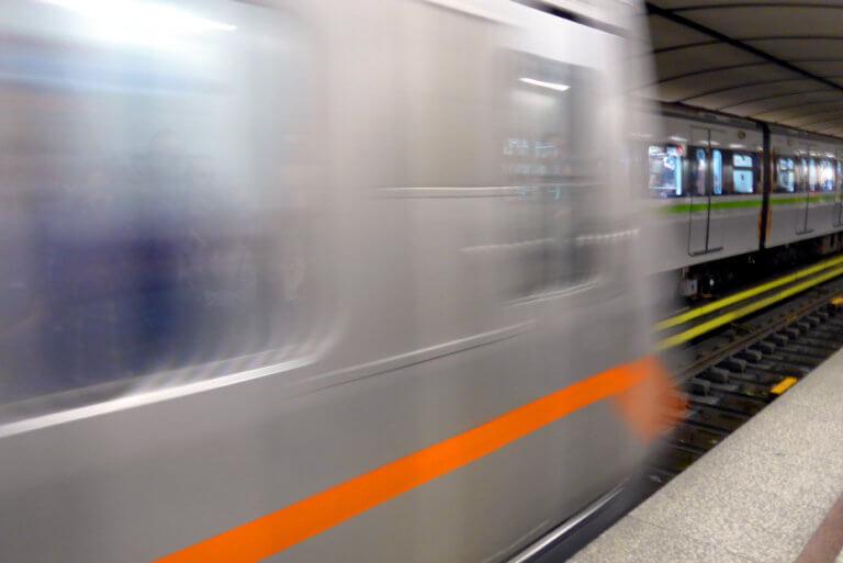 Έπεσε άνδρας στις γραμμές του μετρό στους Αμπελόκηπους! | Newsit.gr