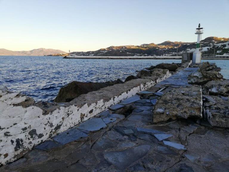 Προσάραξε πλοίο στη Μύκονο! Έσπασαν οι κάβοι! | Newsit.gr