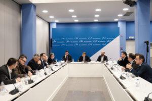 Με εκπροσώπους του Πανελλήνιου Φαρμακευτικού Συλλόγου συναντήθηκε ο Μητσοτάκης