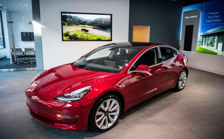 1,26 εκατ. ηλεκτρικά αυτοκίνητα πουλήθηκαν το 2018