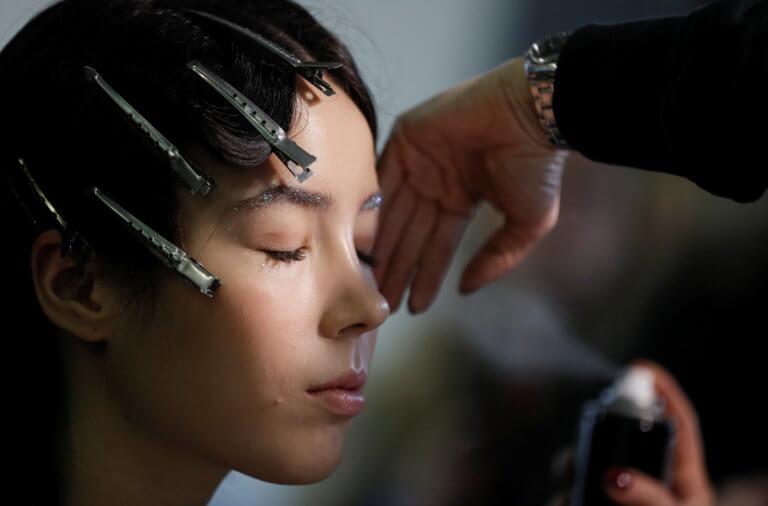 Συστάσεις στους οίκους μόδας να μην προσλαμβάνουν ανήλικα μοντέλα! | Newsit.gr