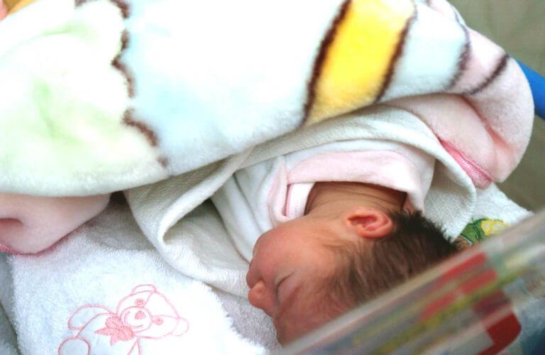 Απίστευτο! Έπεσε σε κώμα κι όταν ξύπνησε είχε γεννήσει ενώ αγνοούσε ότι ήταν έγκυος! | Newsit.gr