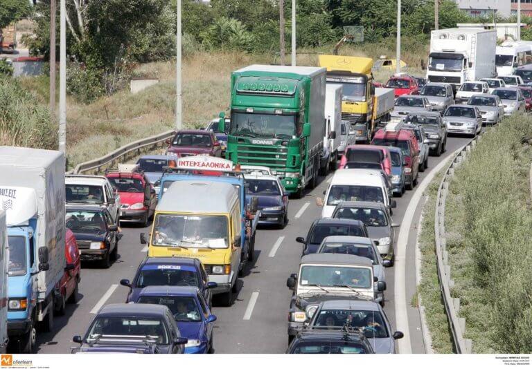 Θεσσαλονίκη: Τρελό μποτιλιάρισμα στην περιφερειακή οδό – Πως ξεκίνησαν τα σοβαρά προβλήματα στην κυκλοφορία [pics] | Newsit.gr