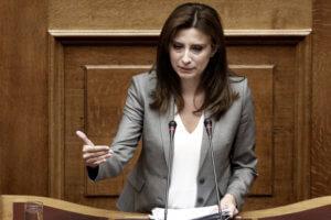 Αλαλούμ με τη Νίνα Κασιμάτη: Καταψήφισε προτάσεις του ΣΥΡΙΖΑ για τη Συνταγματική Αναθεώρηση