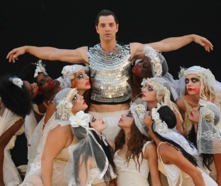 Ποια πρωταγωνίστρια του «Έλα στη θέση μου» έπαιξε στις «Βάκχες» με τον Σάκη Ρουβά; [pic]   Newsit.gr