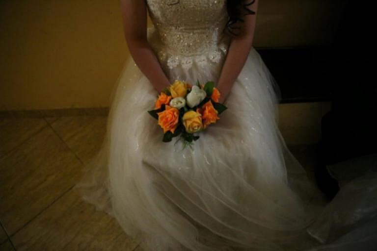 Κύκλωμα παντρεύει αλλοδαπούς με ετοιμόγεννες Ρομά για τις άδειες παραμονής | Newsit.gr