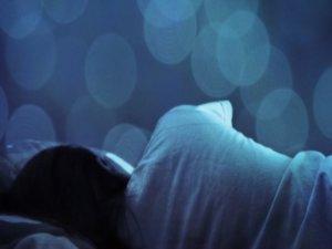 """Ο κορονοϊός """"μόλυνε"""" και τα όνειρά μας! Ατέλειωτοι εφιάλτες με περιεχόμενο την πανδημία"""
