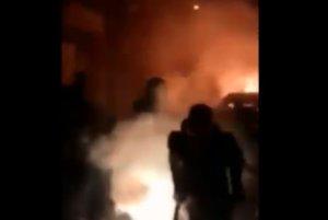 «Επίθεση» σε σύνδεσμο οπαδών του ΠΑΟΚ! Φώναζαν «Μόνο ΑΕΚ ρε» – video