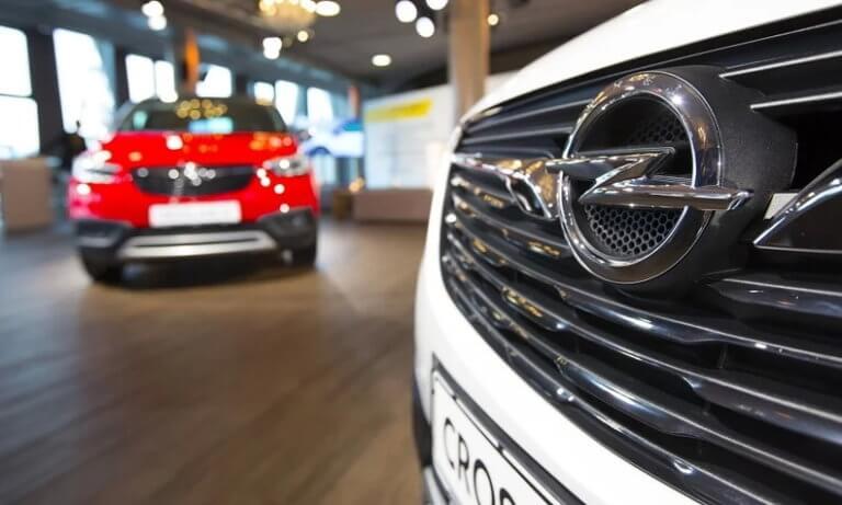 To Grοupe PSA θέλει να ξαναβάλει την Opel στην αγορά της Ρωσίας