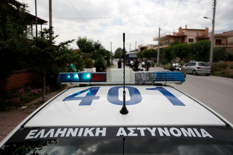 Χίος: Τούμπαρε αυτοκίνητο με στελέχη του Στρατού Ξηράς