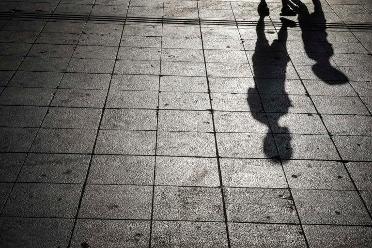 Ναύπλιο: Κατέρρευσε 11χρονος μαθητής σε πεζοδρόμιο – Θρίλερ για να παραμείνει στη ζωή! | Newsit.gr
