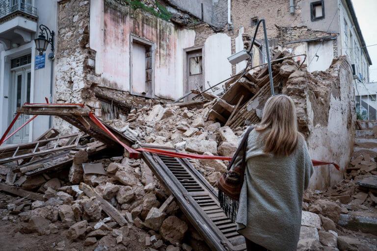 Κατεδαφίσεις 13 ετοιμόρροπων κτιρίων από τον Δήμο Αθηναίων   Newsit.gr