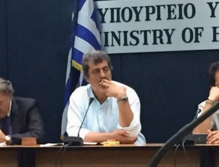 Πολάκης: Νέο «χτύπημα» για το τσιγάρο με επίθεση στα ΜΜΕ! | Newsit.gr
