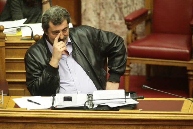 Πολάκης: Υπολογίζουν με αλχημείες τα εισοδήματά μου | Newsit.gr