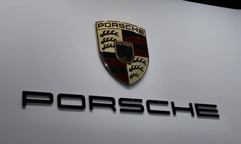 Πιθανό πρόβλημα με τις εκπομπές ρύπων για την Porsche   Newsit.gr