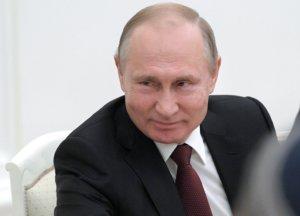 Οι Ρώσοι… γελάνε με αμερικανικό νομοσχέδιο για τα εισοδήματα του Πούτιν!