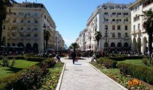 Θεσσαλονίκη: Άφησε τη Ferrari στο λάθος σημείο – Οι φωτογραφίες που είδε στο διαδίκτυο [pics]