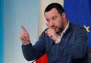 Σαλβίνι: Όχι στην συγκρότηση κοινής ευρωομάδας με τα Πεντε Αστέρια