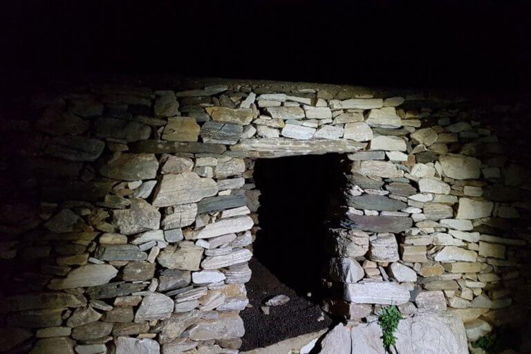 Σίφνος: Η είσοδος του απόλυτου τρόμου – Καθηλώνουν οι εικόνες του μαρτυρίου του [pics]