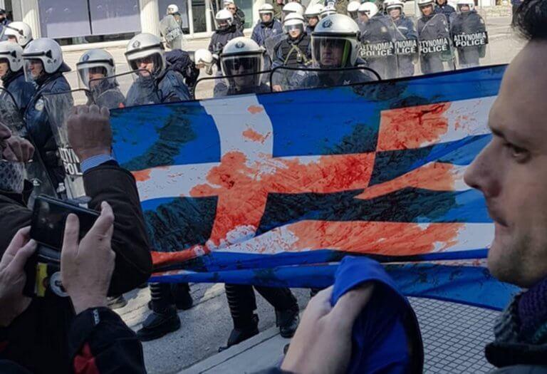 Πτολεμαΐδα: Άγρια επεισόδια και αποδοκιμασίες σε Γεροβασίλη – Ένας τραυματίας [video]   Newsit.gr