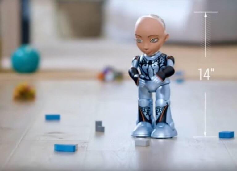 """Η """"Σοφία το ρομπότ"""" απέκτησε μικρή αδελφούλα! video"""