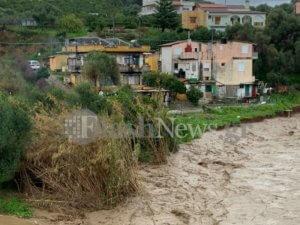Χανιά: Έπεσε κομμάτι γέφυρας – Εκκενώθηκαν σπίτια [pics]