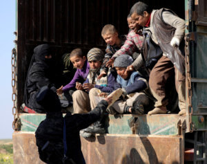 Συρία: Απομακρύνονται οι κάτοικοι από το τελευταίο προπύργιο του Ισλαμικού Κράτους