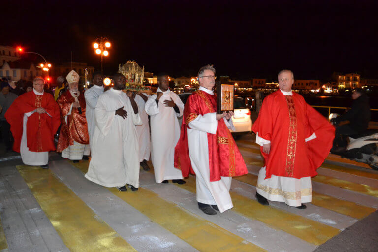 Λιτανεία των λειψάνων του Αγίου Βαλεντίνου στη Λέσβο [pics]