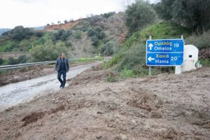 Στην Κρήτη ο Θεοδωράκης: «Γλακάτε κύριοι της κυβέρνησης!»