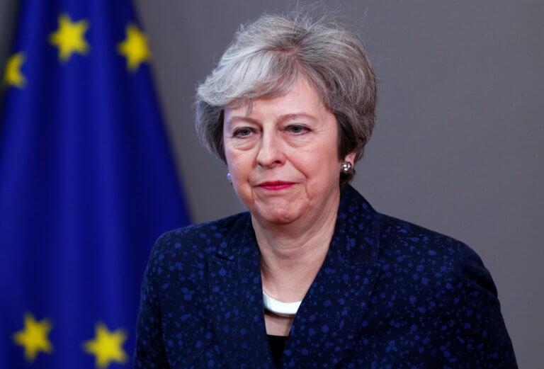 Brexit: Υπονοούμενα για αναβολή της εξόδου άφησε η Μέι