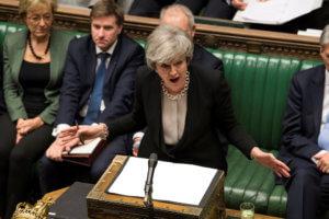 Μέι: Ψηφοφορία για παράταση του άρθρου 50 εάν η Βουλή απορρίψει το Brexit χωρίς συμφωνία