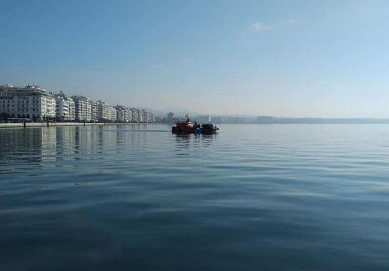 Θεσσαλονίκη: Κοίταξαν καλύτερα στο βυθό και δεν πίστευαν στα μάτια τους – Τους «κούφανε» αυτό που είδαν | Newsit.gr