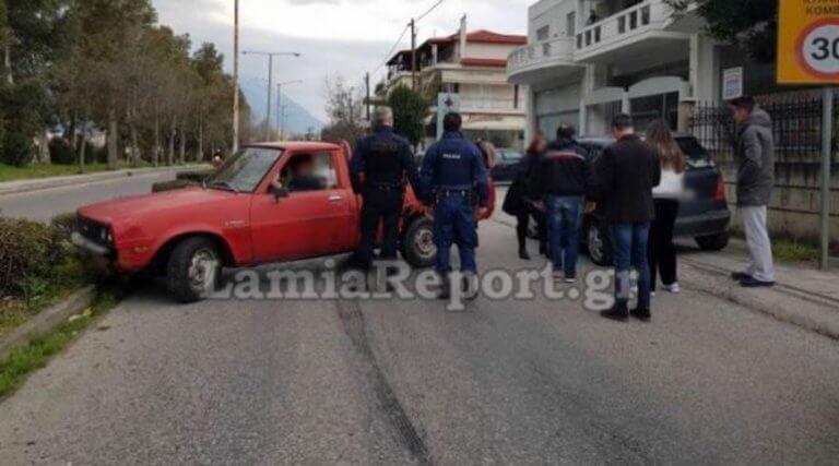 Γλίτωσε το τρακάρισμα και… «στούκαρε» μετά κάνοντας όπισθεν! | Newsit.gr