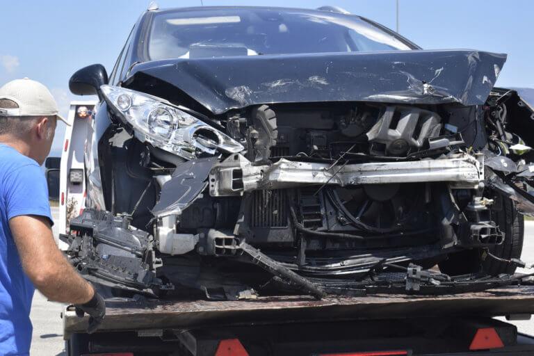 Κρήτη: Ηρωίδα γιατρός κράτησε στην ζωή τον κωφάλαλο μικροπωλητή που εγκατέλειψε ο ασυνείδητος οδηγός! | Newsit.gr