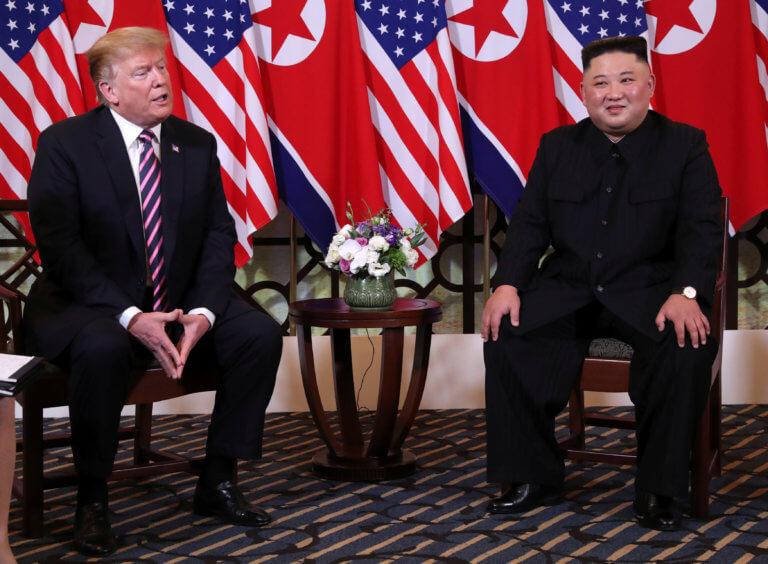 """Τα """"μαζεύει"""" ο Τραμπ: Η Βόρεια Κορέα ευθύνεται για τον θάνατο του Αμερικανού φοιτητή"""