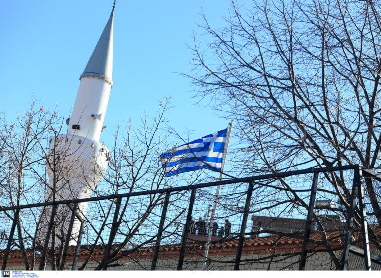Αναστηλώνεται το Βαλιδέ Τζαμί στη Λέσβο | Newsit.gr