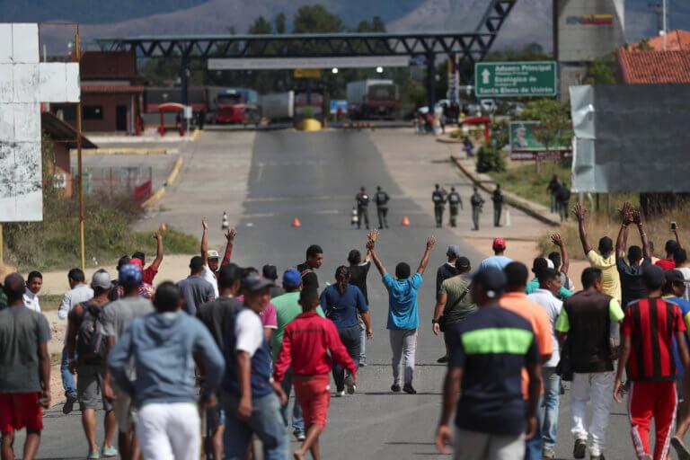 Βενεζουέλα: Δυο νεκροί από πυροβολισμούς στα σύνορα με τη Βραζιλία