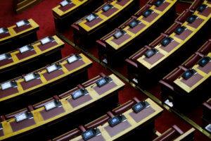 """""""Υπερωρίες"""" στην Βουλή! """"Καυτό"""" δίμηνο γεμάτο… SOS ψηφοφορίες!"""