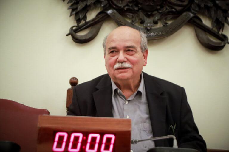Μύλος στη Βουλή! «Ωμή παρέμβαση» Τσίπρα σε Βούτση καταγγέλλει η αντιπολίτευση