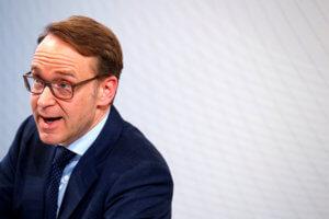 «Κρατούν» τον Βάιντμαν στο «παιχνίδι» για τη διαδοχή Ντράγκι στην ΕΚΤ