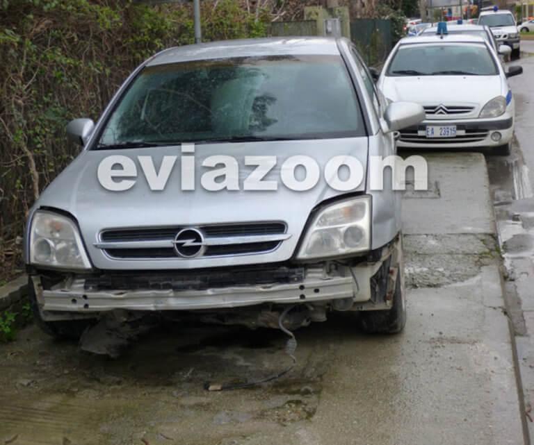 Εύβοια: Αυτοκίνητο της ασφάλειας… «στούκαρε» σε στροφή ενώ καταδίωκε όχημα!