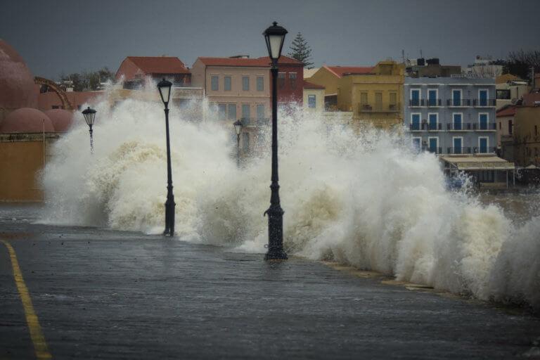 Καιρός: Κλειστά αύριο τα σχολεία στα Χανιά   Newsit.gr