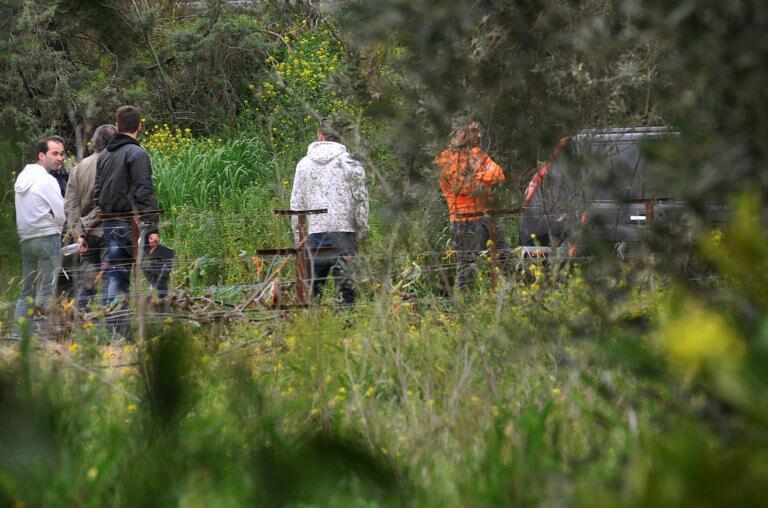 Κρήτη: Μυστήριο με νεκρό άντρα έξω από το σπίτι του – Στο σημείο ιατροδικαστής!