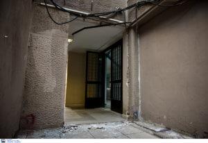 Θεσσαλονίκη: Ξήλωσαν σιδερένια πόρτα στην Πολυτεχνική του ΑΠΘ – Το ξέσπασμα του Κοσμήτορα [pics]