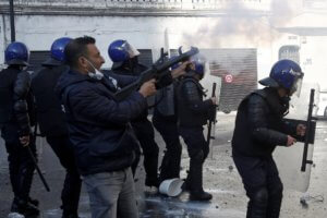 Αλγερία: Έπιασαν βαρόνο των ΜΜΕ και χρηματοδότη του προέδρου Μπουτεφλίκα!