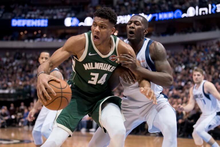 NBA: Τα highlights του Αντετοκούνμπο και το κάρφωμα που βρέθηκε στο Top 10 – video