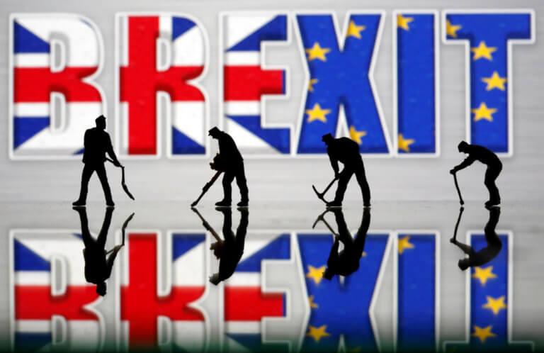 Η Κομισιόν προειδοποιεί: Ετοιμαστείτε για Brexit χωρίς συμφωνία!