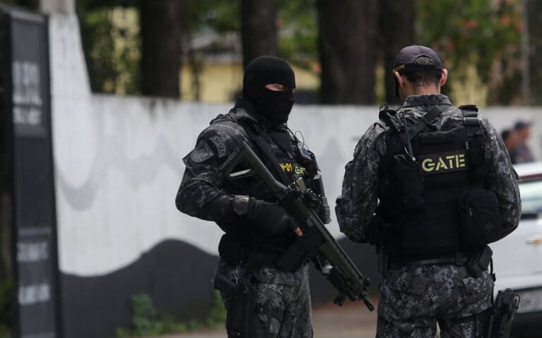 Βραζιλία: Τουλάχιστον 10 νεκροί, ανάμεσά τους 5 μαθητές, από πυρά σε σχολείο! – Video