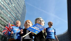 Brexit: Πόσα χρήματα θα χάσει κάθε Ευρωπαίος πολίτης και χώρα!